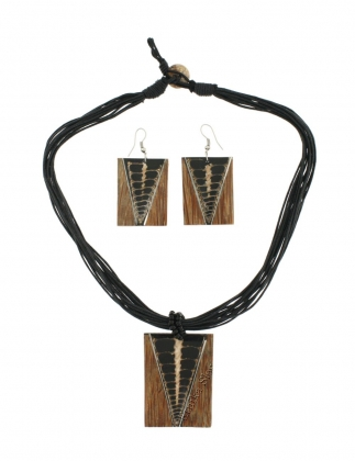 INDONESIAN NECKLACES